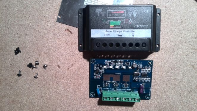 CMTP02 30A Solar charger controller frontside