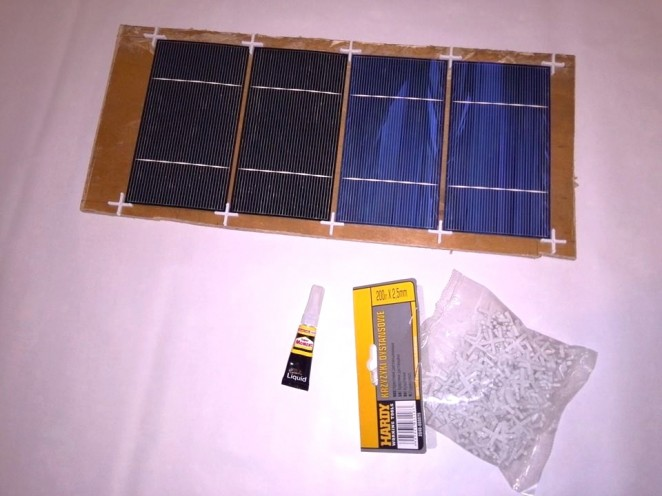 Solar cells tabbing jig using tile spacers - used materials